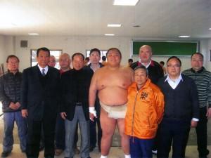 大相撲大阪場所を控えた千賀ノ浦部屋を訪問