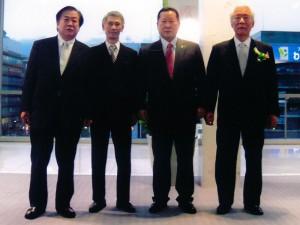 右から木下、金正幸、福田各氏と筆者
