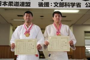 佐藤伸一郎柔道部監督(左)=第16回全日本柔道形競技大会
