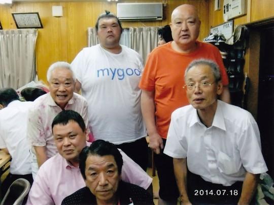 愛知・岐阜の有志が名古屋場所中の千賀ノ浦部屋を訪問