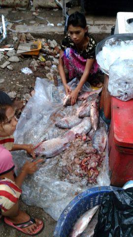 ミャンマーの路地裏