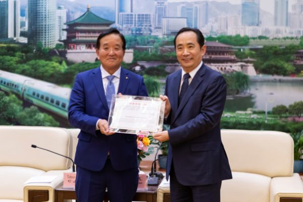 杉山氏と西安市長